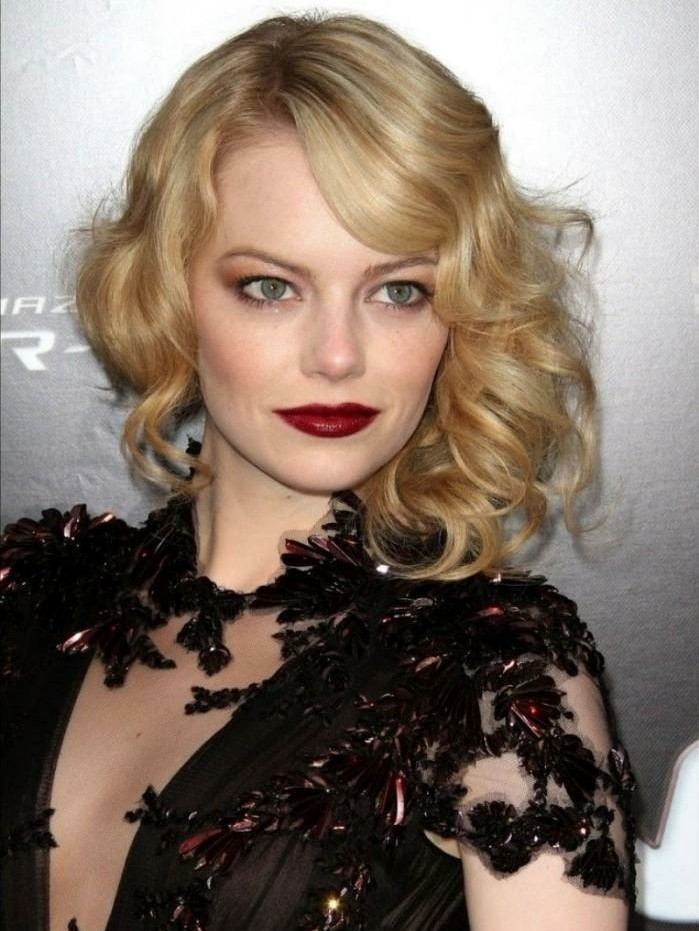 superbe-coiffure-soirée-idée-cheveux-longs-emma-stone-resized