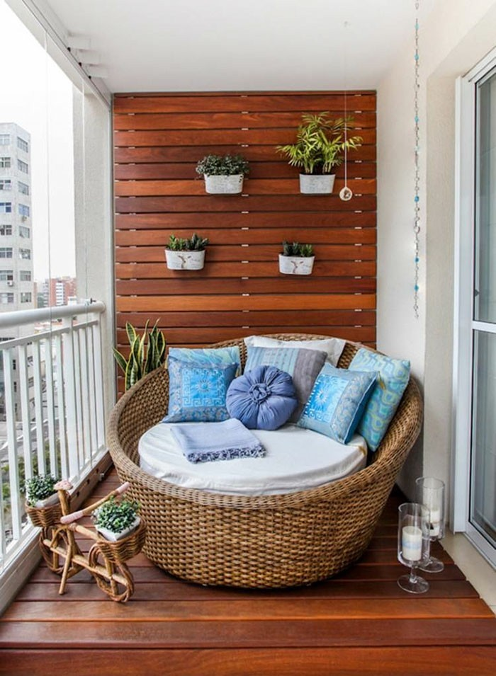 superbe-idée-organizer-un-coin-lecture-mdi-le-balcon