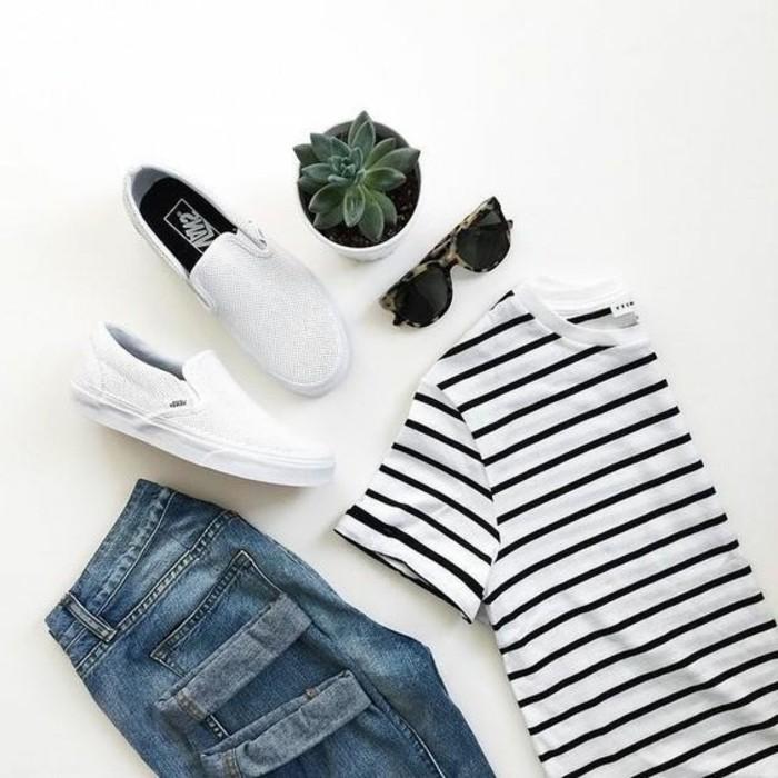 t-shirt-à-rayures-blancs-noirs-jeans-bleu-foncé-bien-s-habiller-pour-la-nouvelle-saison-2016