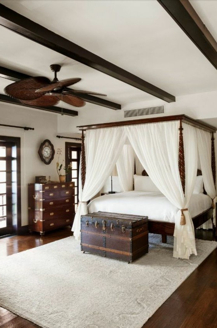 Int rieur classic et tr s chic l 39 aide de meuble colonial for Idee deco maison interieur