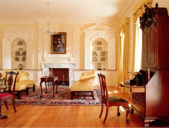 Int rieur classic et tr s chic l 39 aide de meuble colonial for Interieur maison coloniale