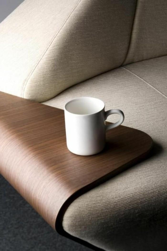 table-d-appoint-en-bois-foncé-table-relevable-ikea-pas-cher-en-bois-foncé