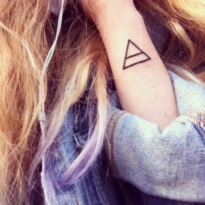 tatouage-triangle-signification-nos-idees-pour-vos-tatouages-les-plus-beaux-tatouages