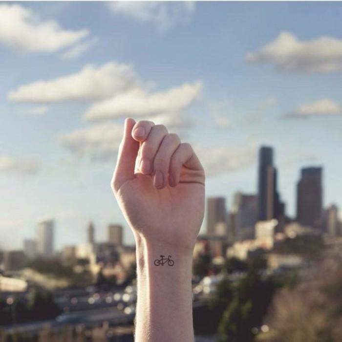 tatouages-discrets-femme-nos-idees-pour-ou-mettre-votre-tatouage-femme-tatouages-discrets-femme
