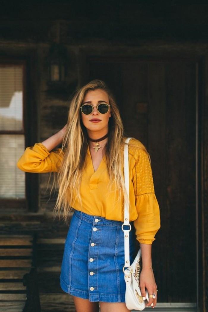 tendances-de-la-mode-femme-chemise-jupe-mi-longue-en-denim-bleu-clair-chemise-jaune