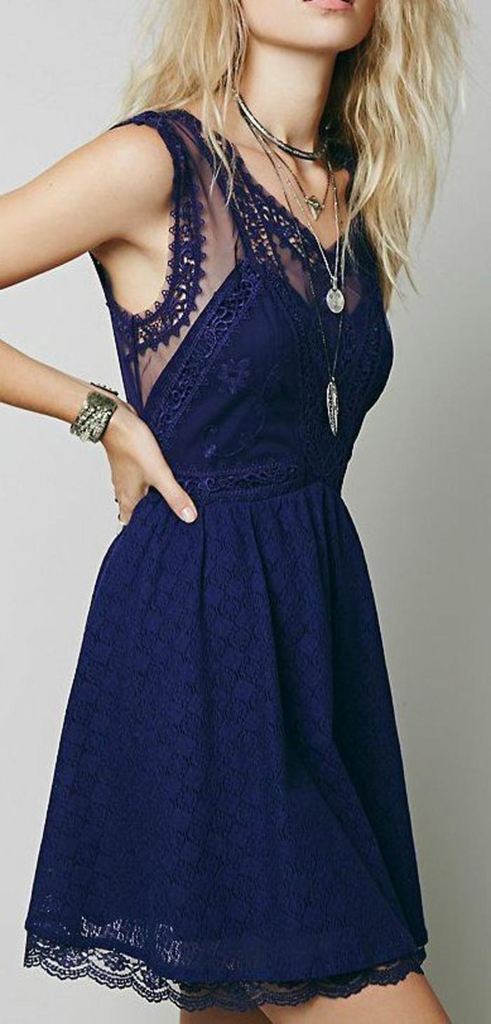 tenue-robe-dentelle-robe-a-dentelle-bleu-jolie