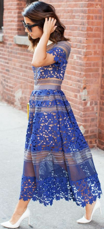 tenue-robe-dentelle-robe-a-dentelle-bleue