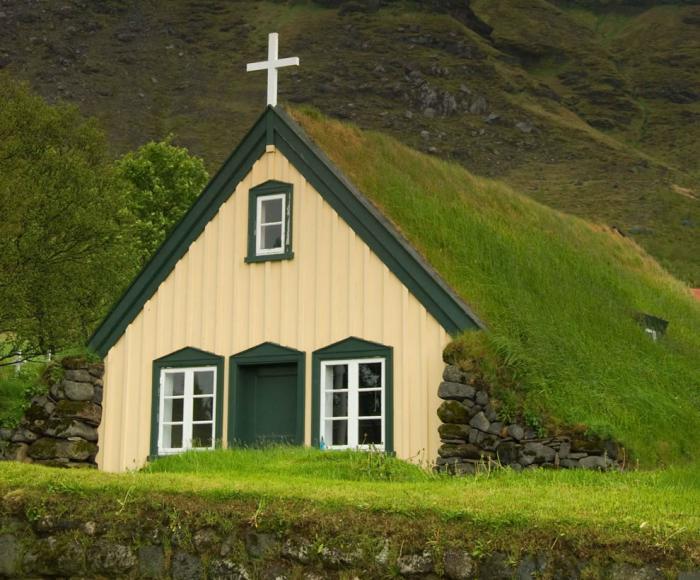 toiture-végétalisée-église-toiture-turf-Icelande