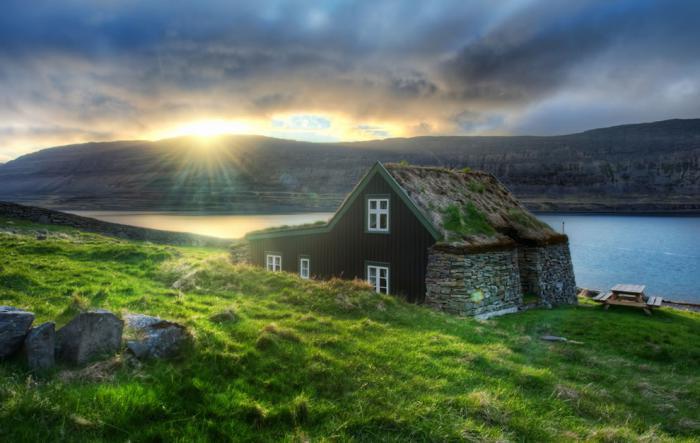 toiture-végétalisée-Icelande-maison-toiture-végétale