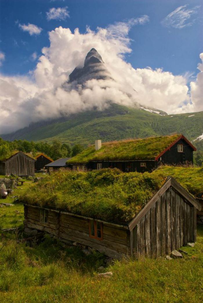 toiture-végétalisée-norvège-paysage-fantastique-au-bout-du-monde
