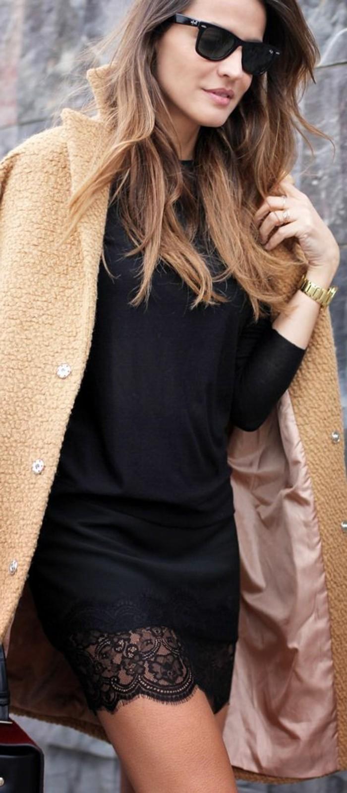 une-robe-en-dentelle-longue-robe-dentelles-hiver