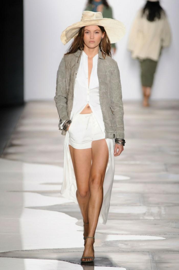veste-d'-été-femme-longue-de-couleur-neutre-resized