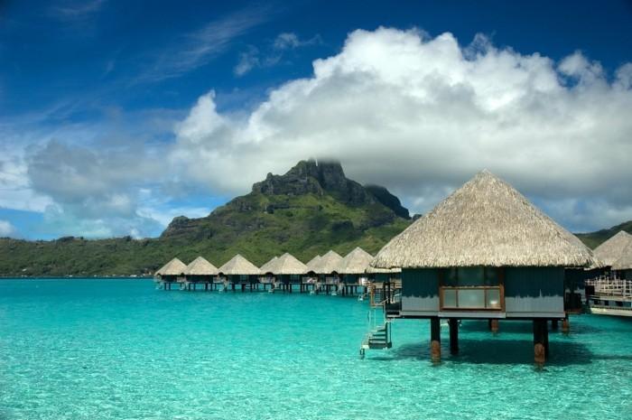vivre-dans-une-Bungalow-sur-la-mer-Bora-Bora-liste-des-choses-à-faire-avant-de-mourir