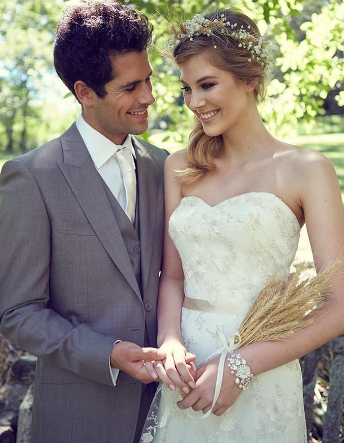 Comment choisir vos bijoux de mariage - Photo de mariage couple ...