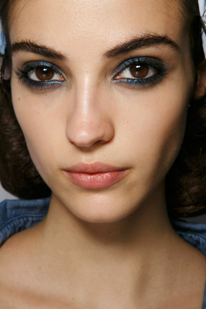 tuto maquillage yeux bleus soire excellent etonnant smoky eyes yeux bleus smoky eyes yeux bleus. Black Bedroom Furniture Sets. Home Design Ideas