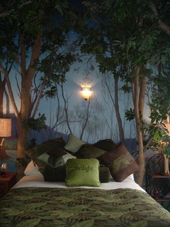 0-amenagement-chambre-ado-fille-couverture-lit-en-vert-foncé-coussins-sur-le-lit