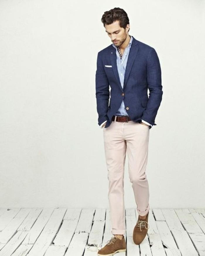 0-coupe-de-cheveux-homme-court-sur-les-cotés-veste-homme-elegat-en-bleu-foncé
