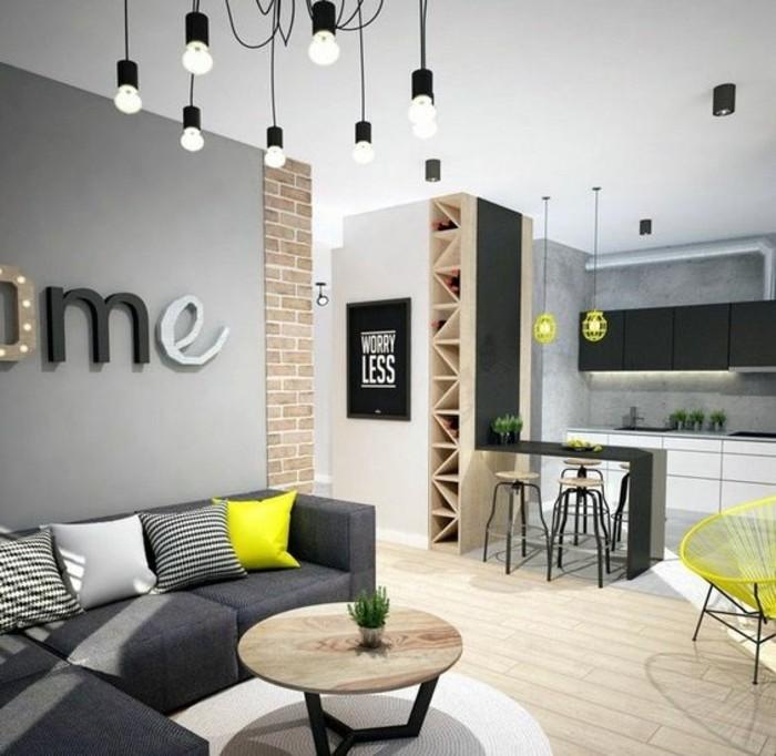 0-décorer-son-appartement-sol-en-parquet-clair-canape-gris-anthracite-d-angle-petite-table-ronde-basse