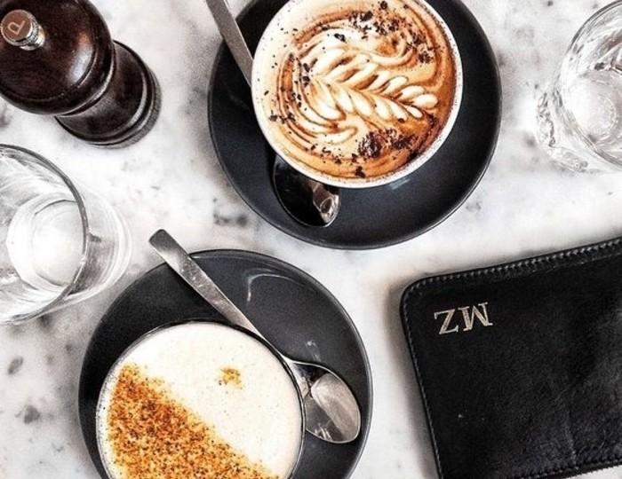 00-comment-faire-un-cappuccino-faire-mousser-le-lait-cappuccino-recette-café