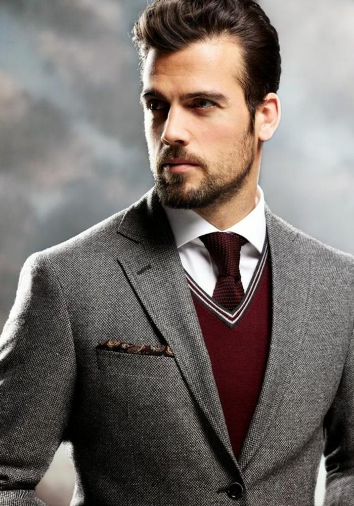 1-coupe-de-cheveux-banane-rockabily-style-homme-elegant-costume-gris-pull-rouge-chemise-blanche