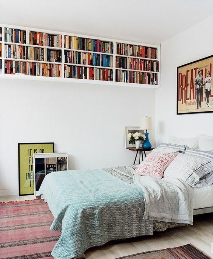 1-deco-chambre-d-ado-fille-tapis-coloré-couverture-de-lit-bleu-clair-bleu-marin