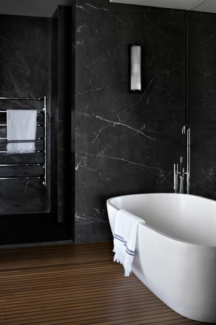 Quelle couleur salle de bain choisir 52 astuces en photos for Carrelage en marbre noir