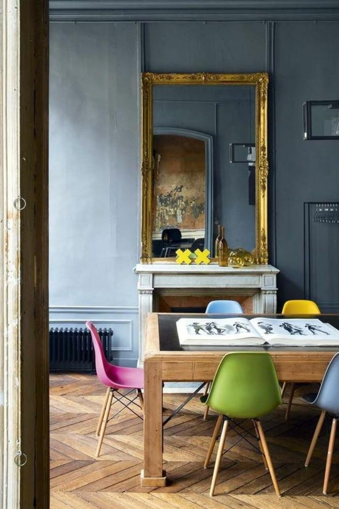 1-salle-de-sejour-chic-décorer-son-appartement-originale-sol-en-parquet-ancien