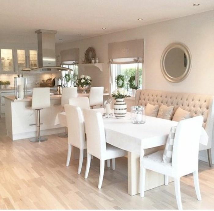 3-Peinture-beige-rosé-cuisine-canapé-table-trois-chaises