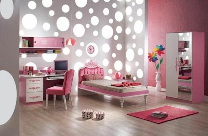 3-conforama-chambre-fille-en-rose-idee-deco-murale-luminaire-sol-en-parquet-clair-tapis-rose