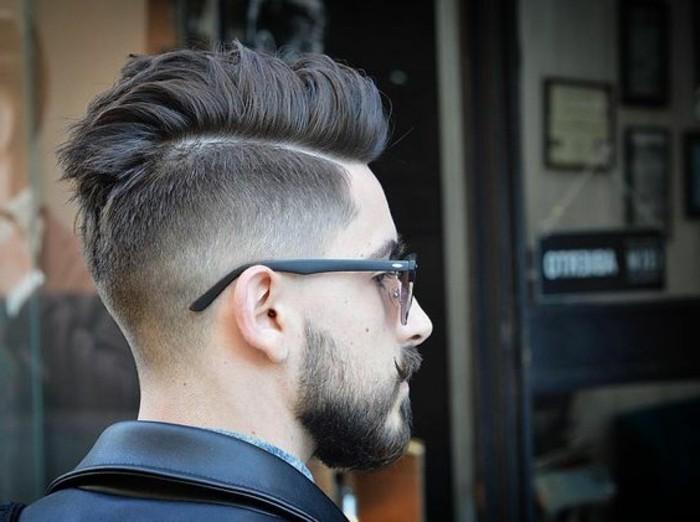 3-coupe-de-cheveux-homme-court-sur-les-cotés-coupe-de-cheveux-hommes-idees-tendances