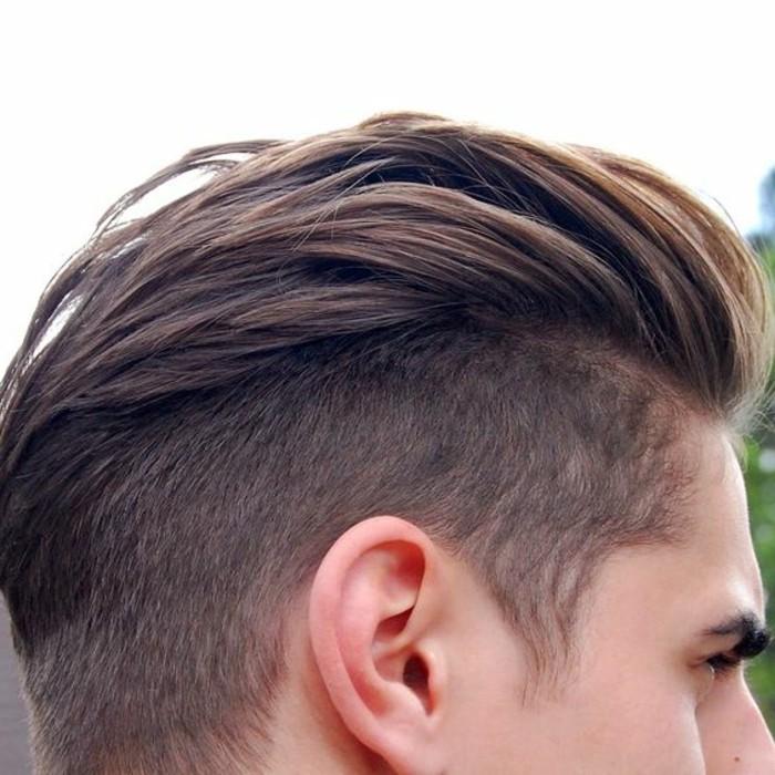 3-coupe-de-cheveux-homme-court-sur-les-cotés-idees-coiffures-hommes