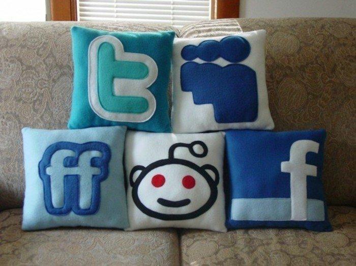 Smiley-Kissen-die-soziallen-Netze