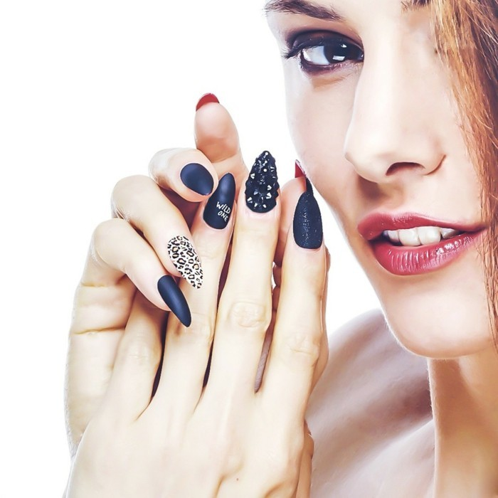 admirable-idea-drawing-on-the-nails-model