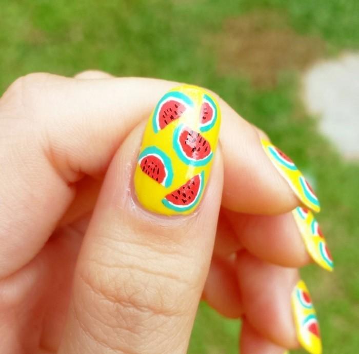 adorable-idée-d-été-astuces-beauté-ongles-dessin-cool-idée