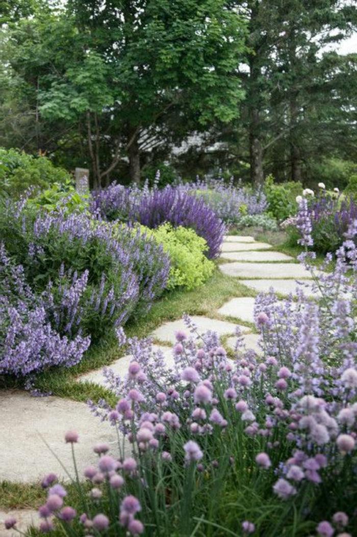 allée-de-jardin-gravillon-pour-allée-exterieur-revetement-sol-exterieur-pas-cher