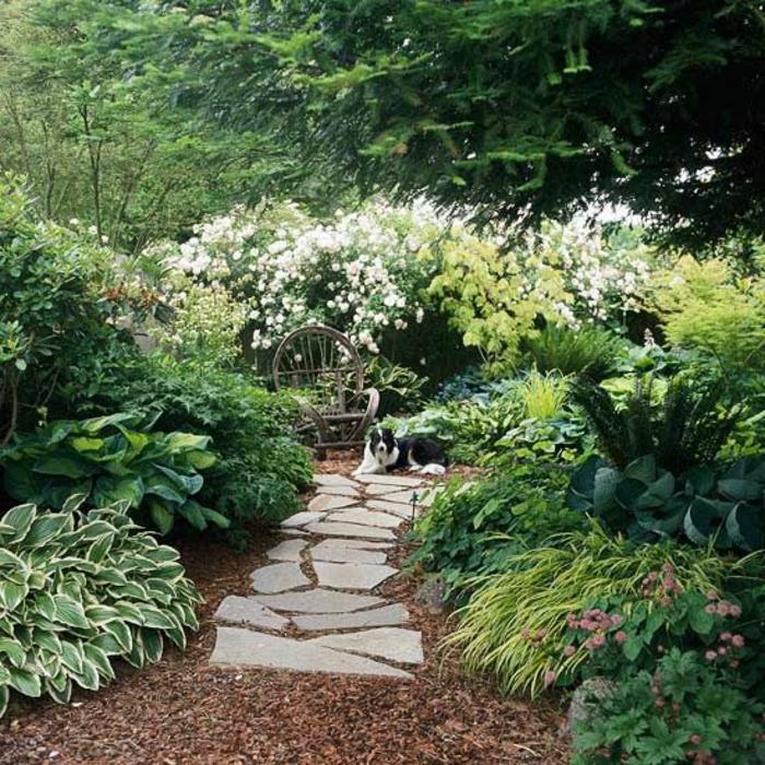 allee-de-jardin-avec-pierre-comment-choisir-gravier-allée-avec-pierres