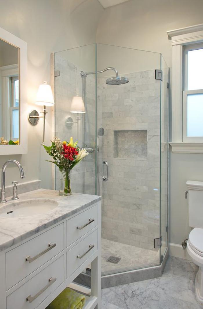 aménagement-petite-salle-de-bains-aménager-une-petite-salle-de-bains-marbrée