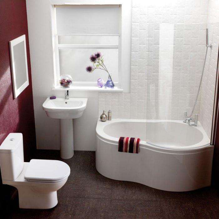 aménagement-petite-salle-de-bains-petite-baignoire-d'angle