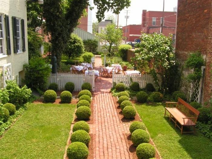 aménager-son-jardin-agencer-son-jardin-vert-et-alee
