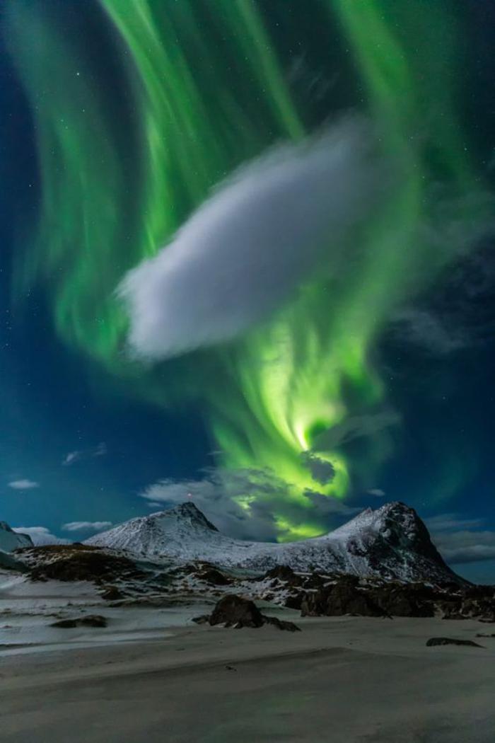 aurores-boréales-aurore-boréale-et-nuage-blanc