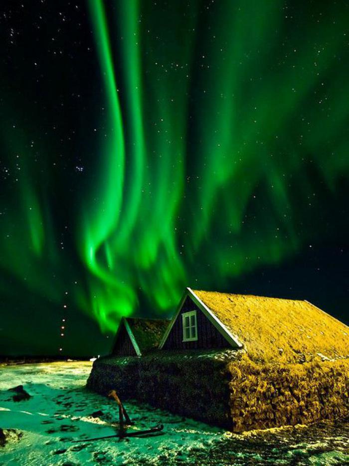 aurores-boréales-la-beauté-de-l'Islande