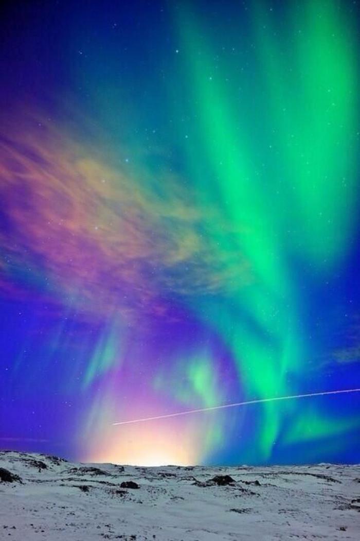aurores-boréales-la-beauté-de-l'hiver-arctique