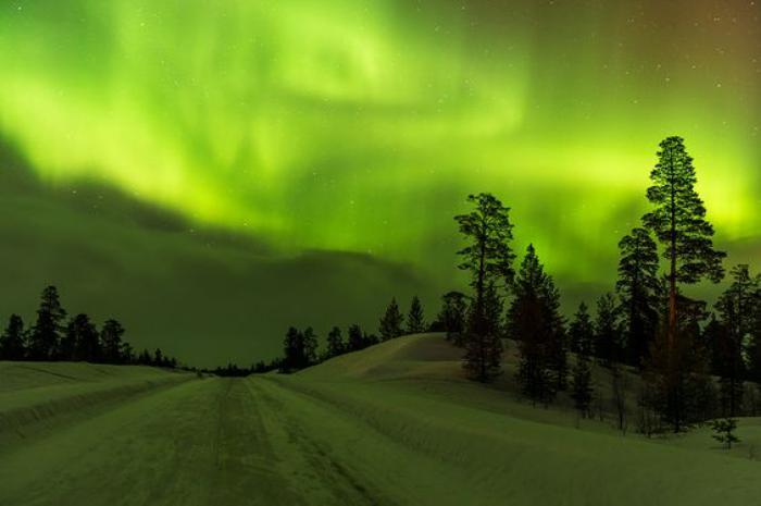 aurores-boréales-joli-paysage-dhiver