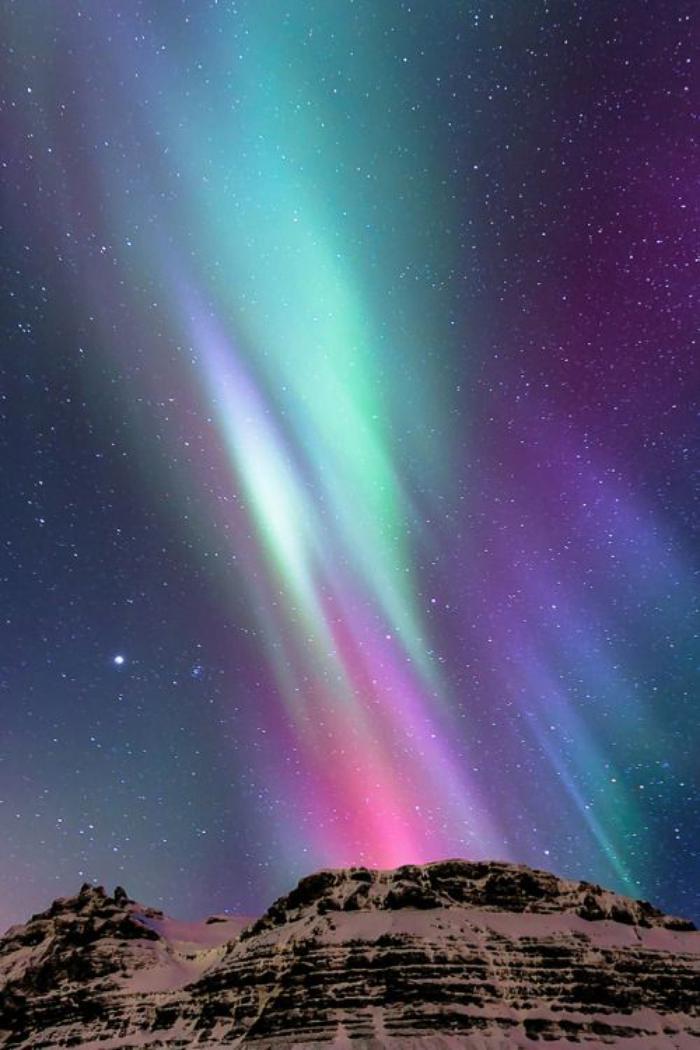aurores-boréales-observer-les-étoiles-et-les-aurores-boréales