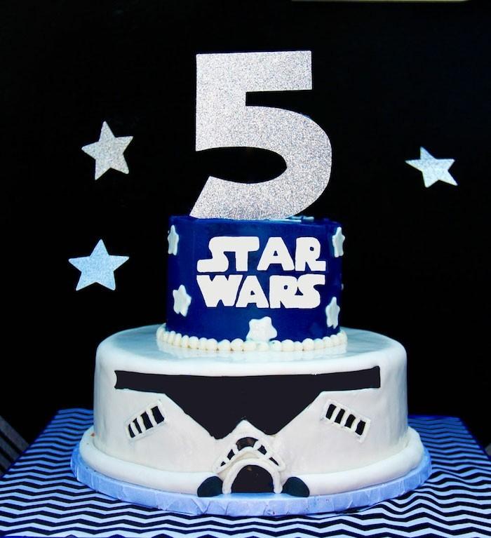 beau-apréciable-gâteau-anniversaire-enfant-une-idée-thème-star-wars