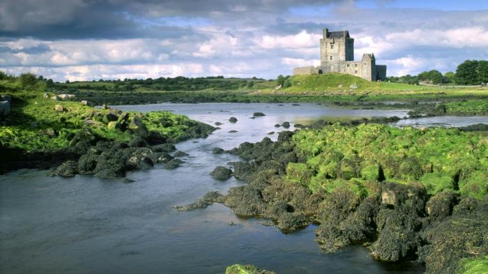 beauté-magnifique-de-la-nature-irlandaise-lac-castle
