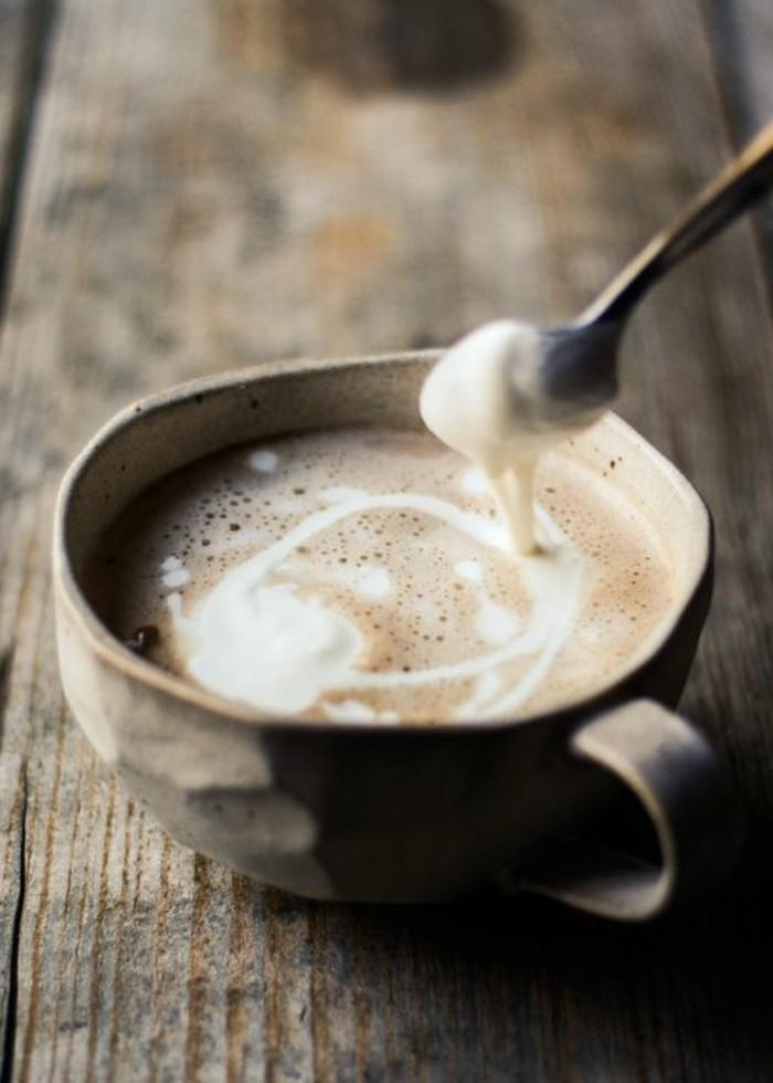 cafe-au-lait-idee-recettes-faire-mousser-le-lait-pour-cappuccino-au-lait-et-cafe
