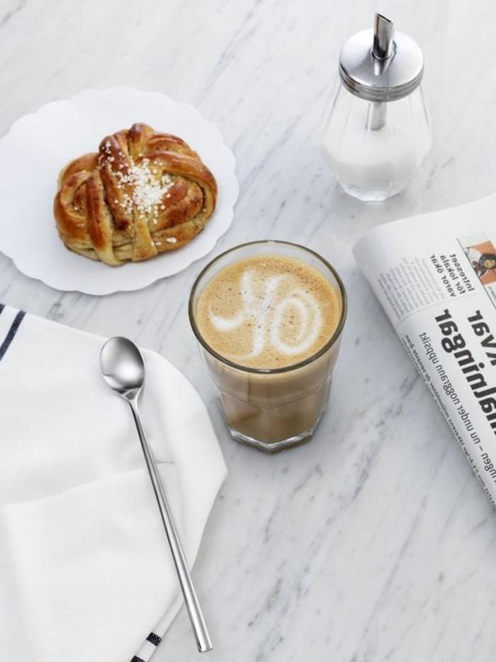 cappuccino-recette-facile-a-faire-café-au-lait-art-faire-mousser-le-lait-idee-recette-facile-a-faire