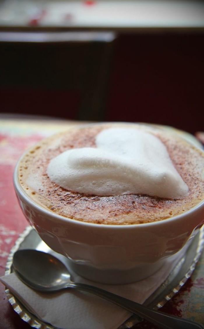 cappuccino-recette-facile-a-faire-le-secret-du-cappuccino-au-lait