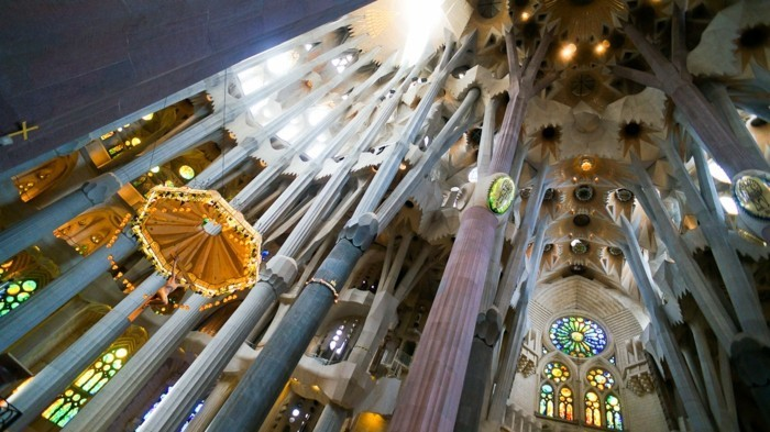 cathedrale-barcelone-Sagrada-Familia-diverses-perspectives-resized